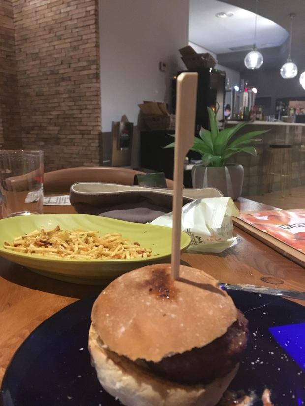 castano_oscuro_food